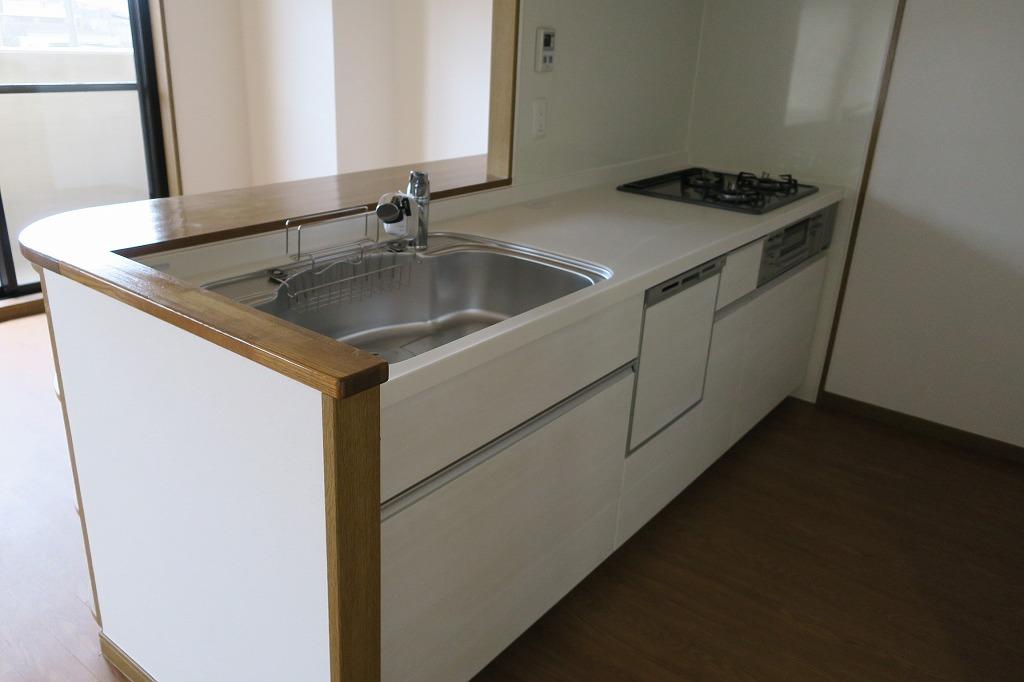 キッチンは便利な食器洗浄機付!
